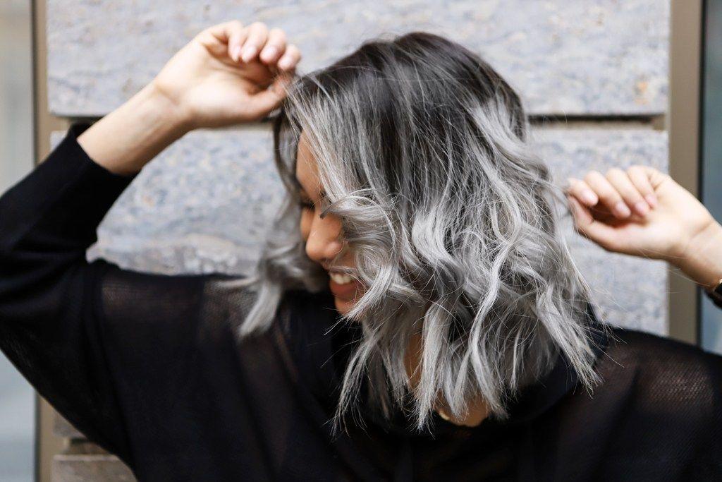 graue strähnen in dunkle haare färben - Google-Suche