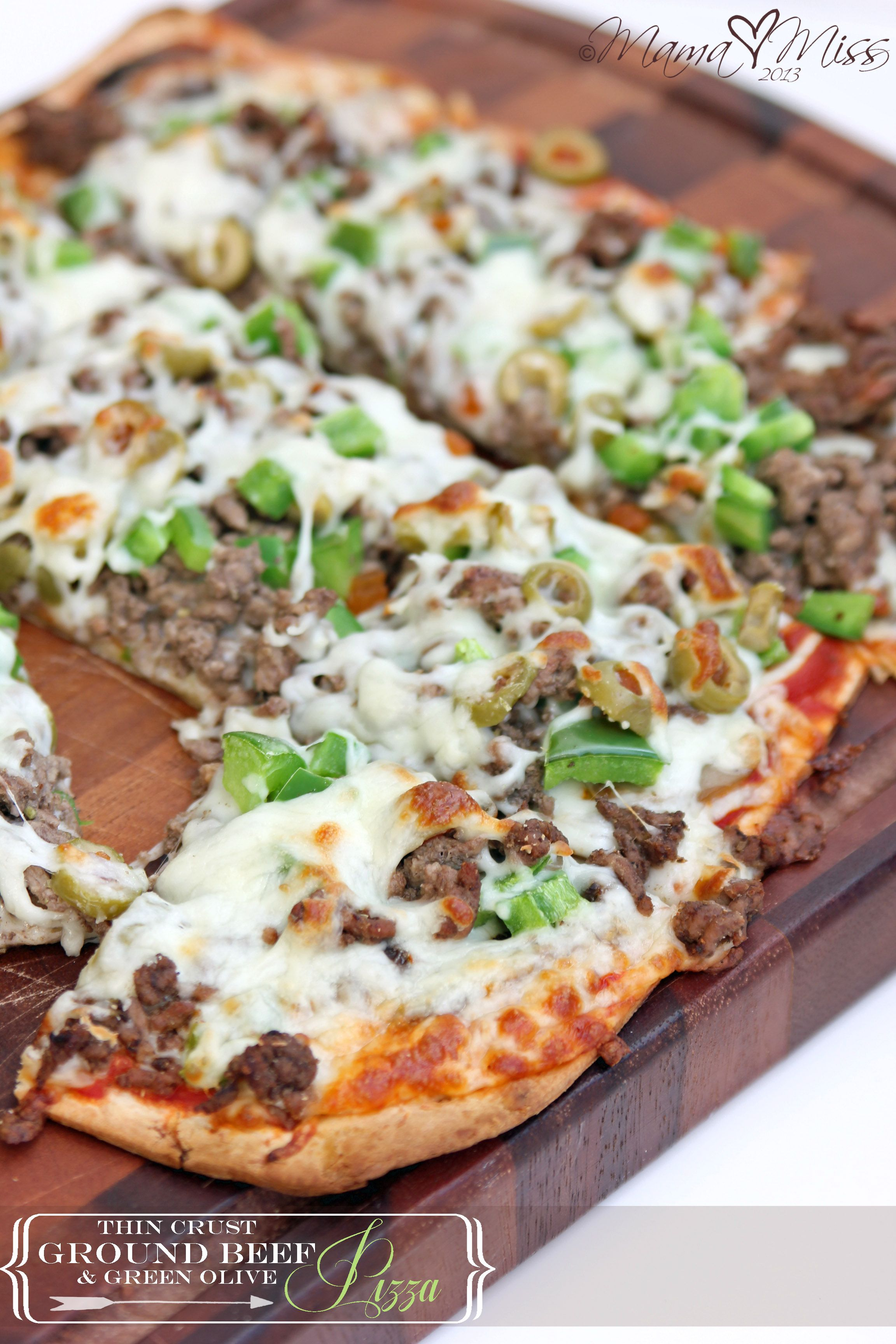 Eats Thin Crust Ground Beef And Green Olive Pizza Ground Beef Olive Pizza Pasta Dishes