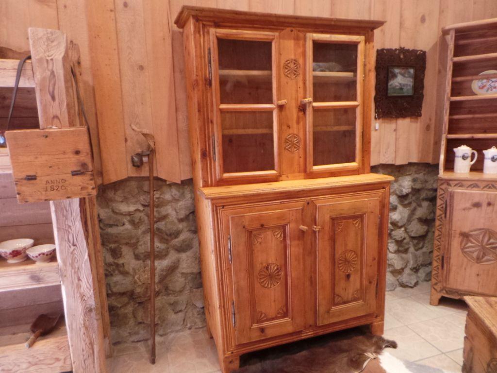 meuble vaisselier ancien art populaire savoie d co chalet montagnard au vieux parchet 219. Black Bedroom Furniture Sets. Home Design Ideas