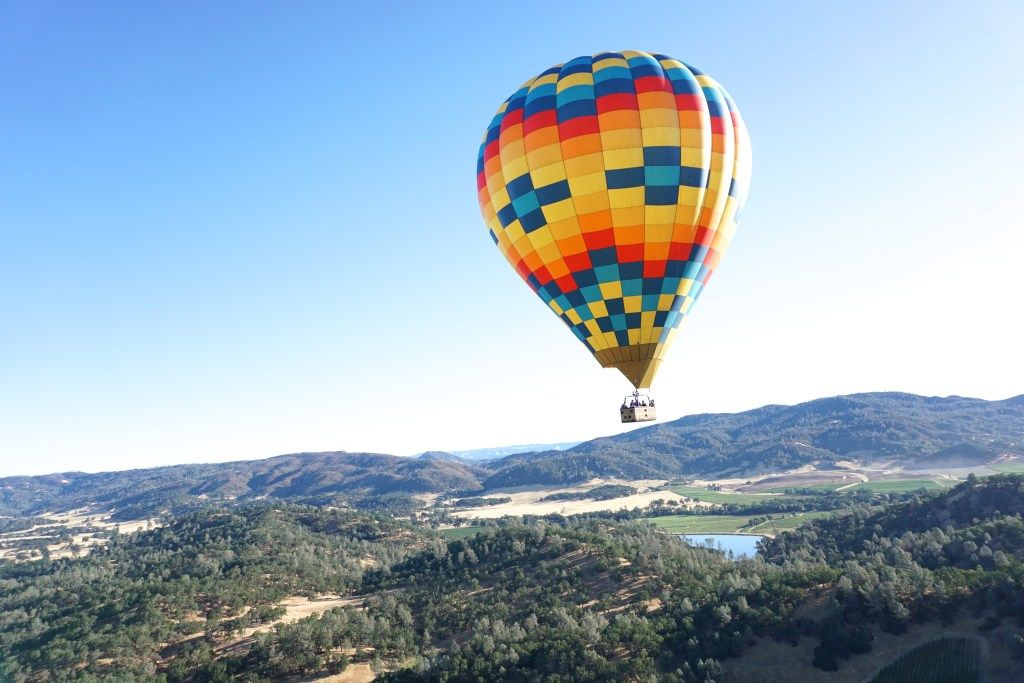 HOT AIR BALLOON RIDES OVER NAPA VALLEY Hot air balloon