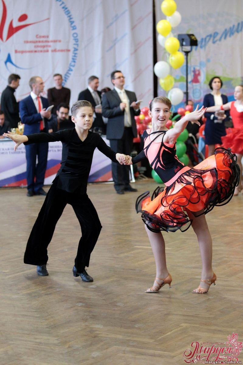 Костюм для бальных танцев Юниоры1 - Костюмы для бальных ...