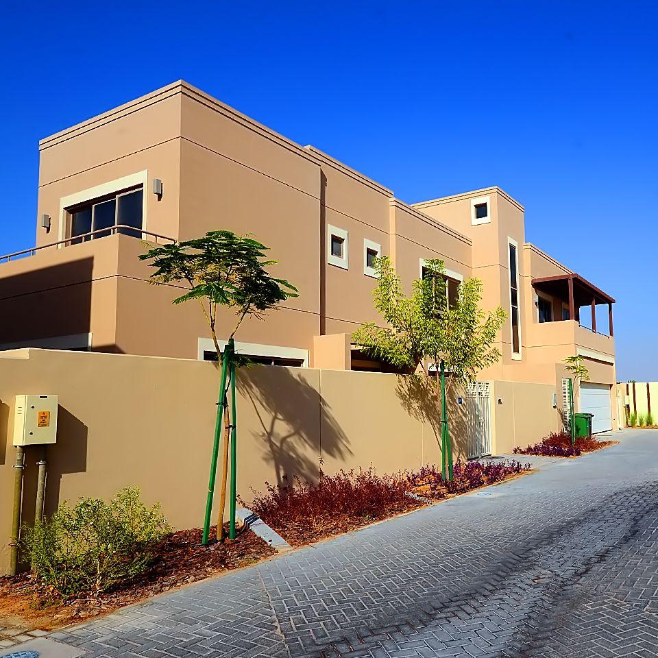 Find the villa you've always wanted. Find more properties at http://go2emirates.ae #uae   #abudhabi   #dubai   #property   #realestate   #propertyforsale   #propertyforrent