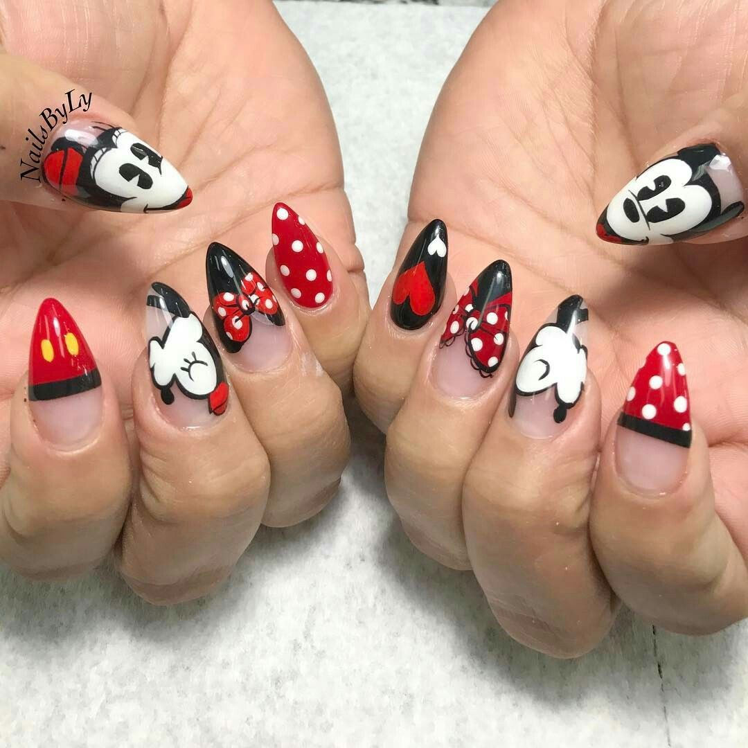 Pin Di Ida Capuano Su Nail Disney Nails Acrylic Nails E Mickey Nails