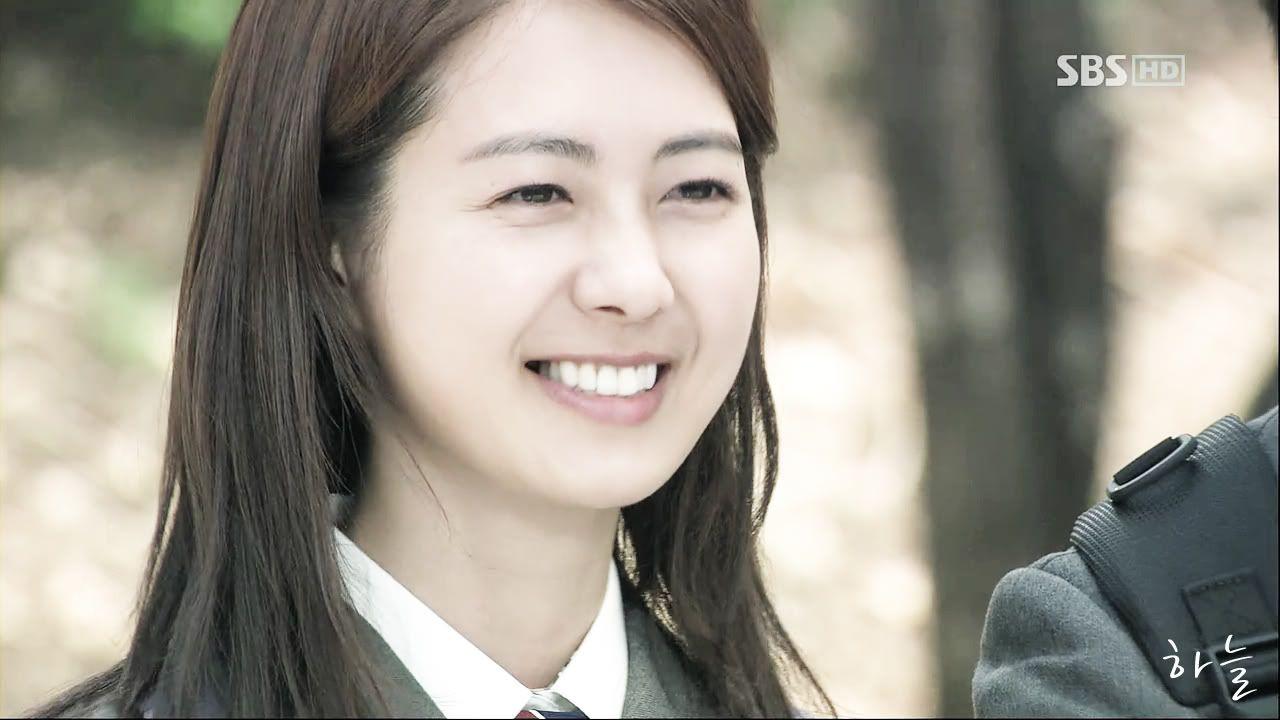 Картинки по запросу Lee Yo Won smile