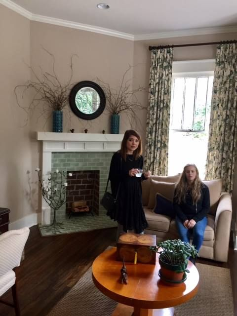 Living Room Design Program Students In The Interior Design Program Toured Two Historic Homes
