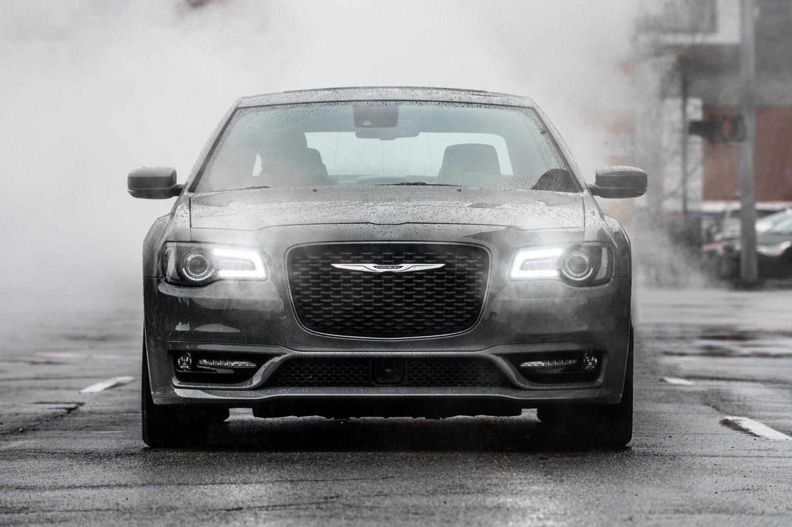 2020 Chrysler Aspen Photos