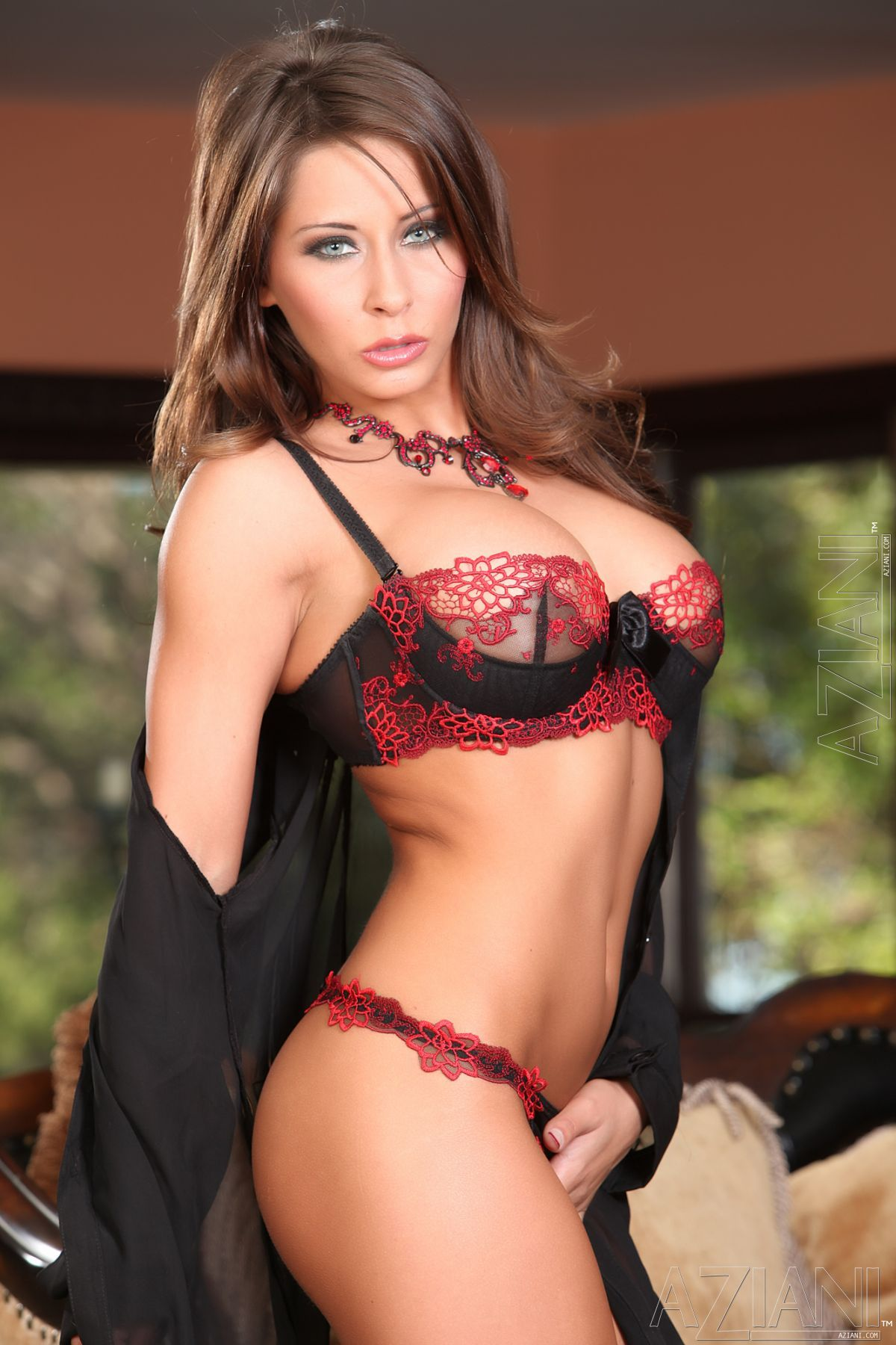 50 Revealing Photos of Madison Ivy That Are So Hot They'll ...