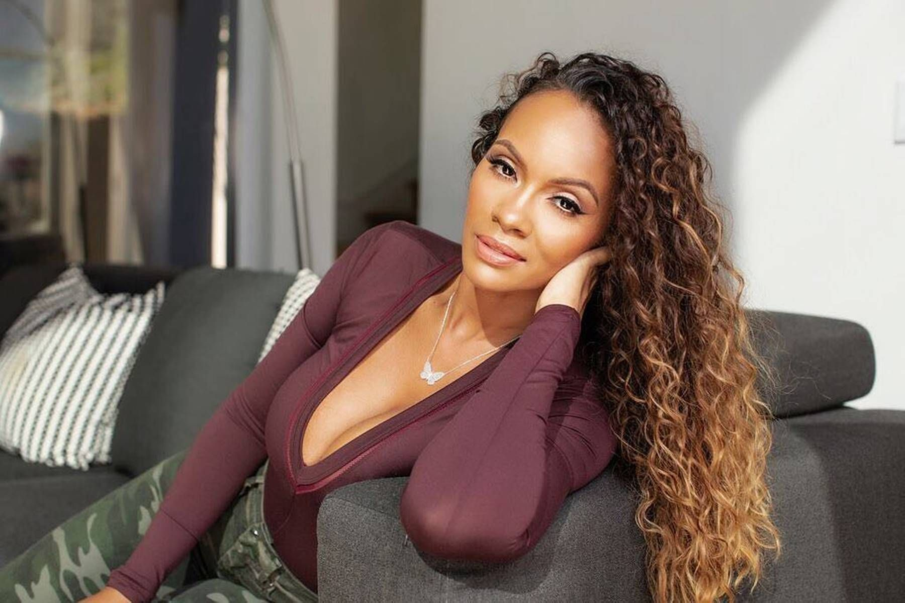 Evelyn Lozada Reunites With Carl Crawford For The Sweetest Reason And Basketball Wives Fans Want More After Watching This Video Evelyn Lozada Basketball Wives Natural Curls Hairstyles