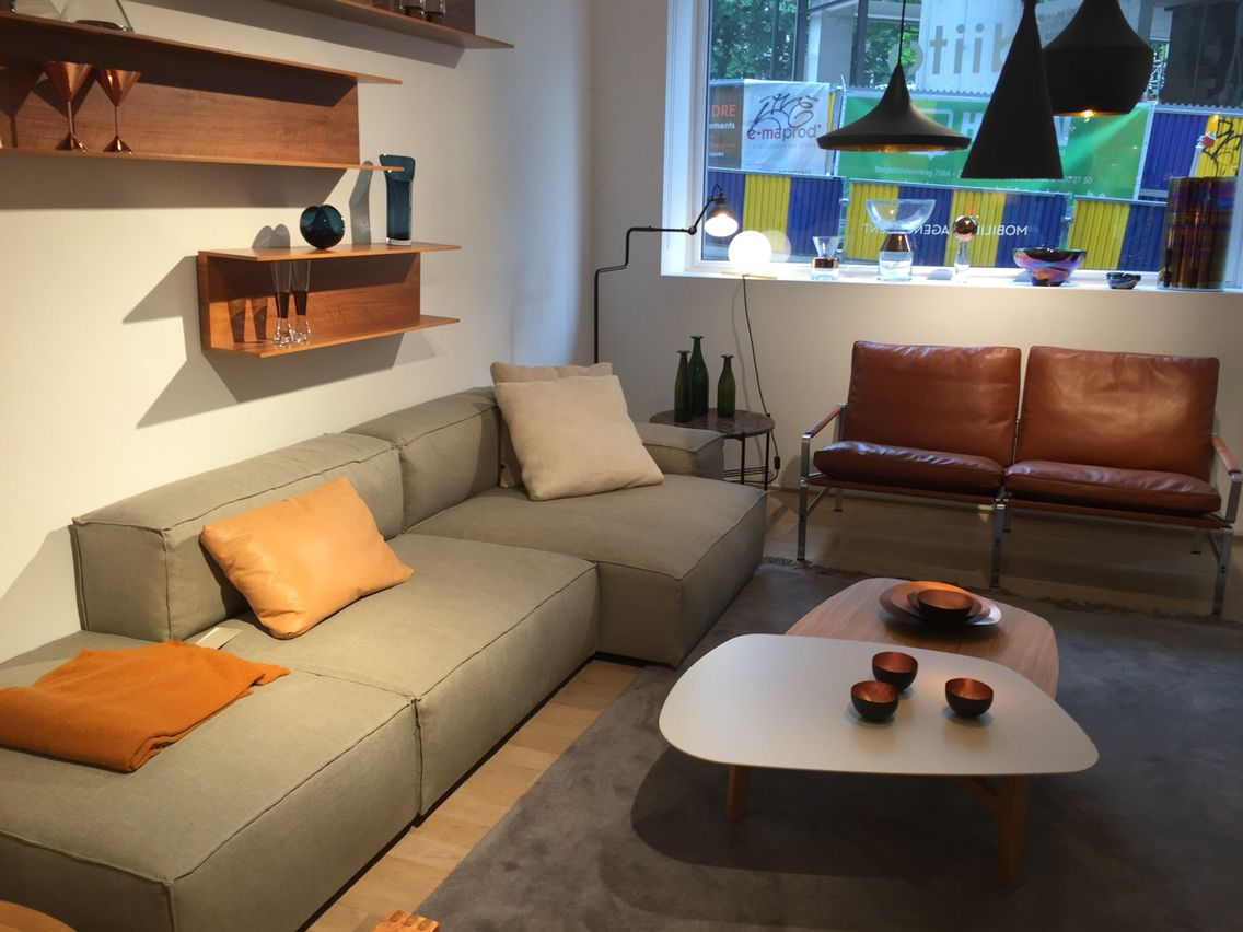 Neowall Sofa In A Stylish Company At DIITO Store Brussels Living Divani