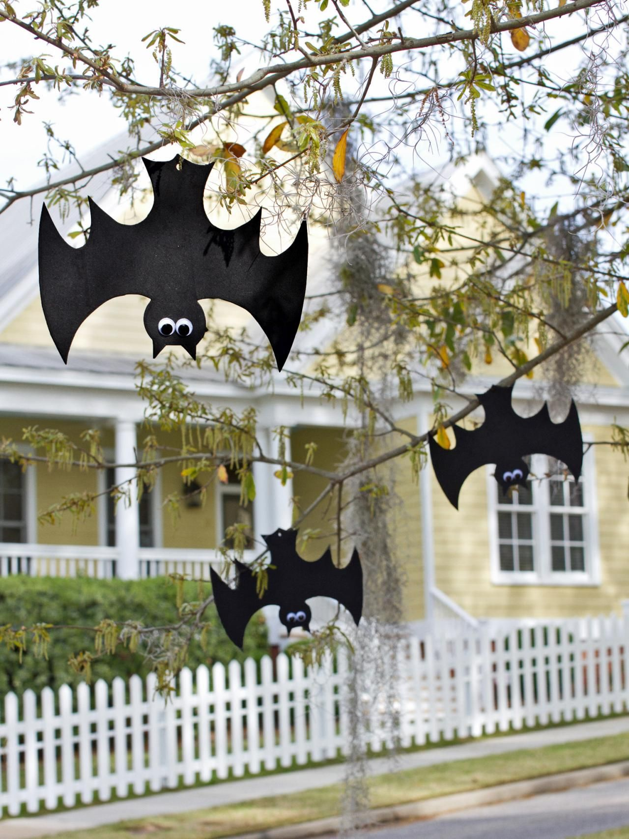Halloween Kids\u0027 Craft Hanging Foam Bats Halloween parties, Easy - Homemade Halloween Decorations