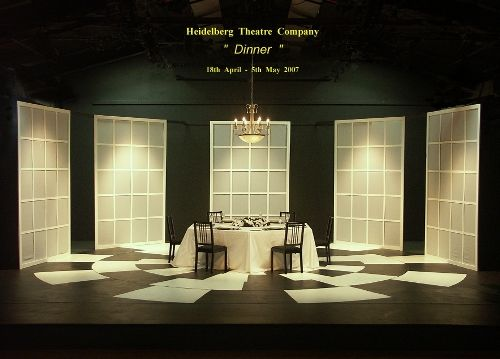 Scenic design white screens google search idomeneo for Minimalist house definition