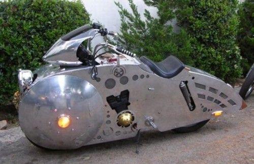 STRANGE STREAMLINED METAL MOTORCYCLE