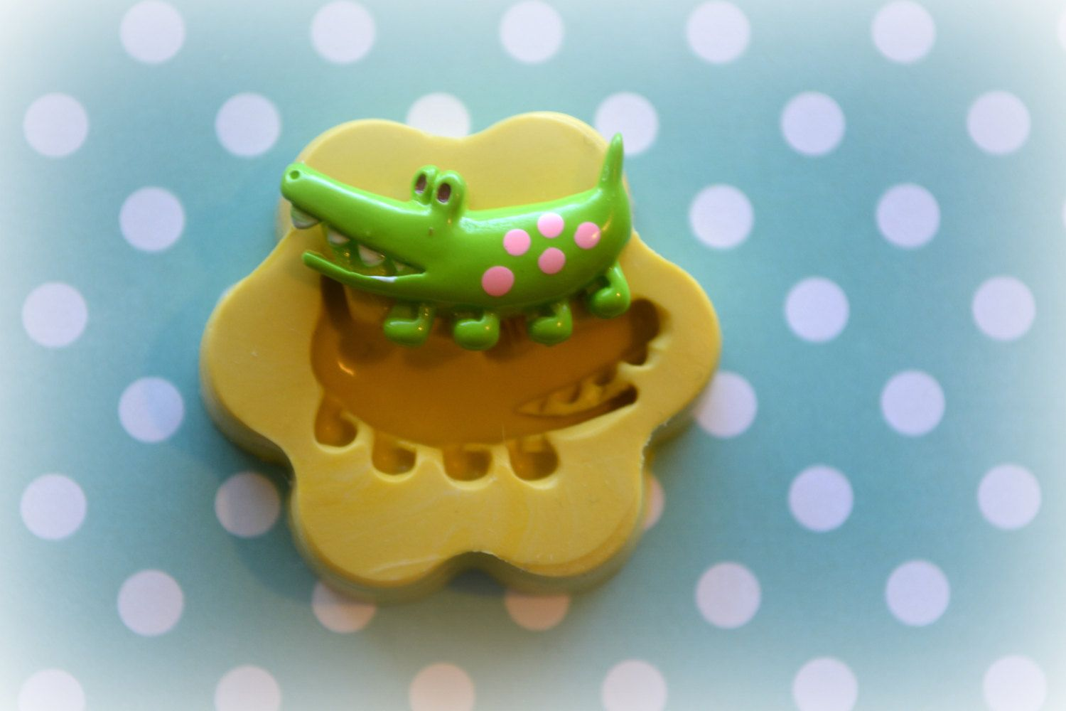 DM0078 Alligator Crocodile Cabochon Silicone by DecodenMolds, $3.50