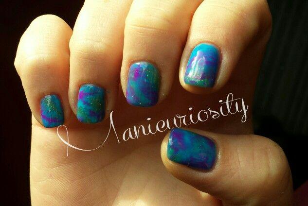 Tie-dye nails in gel polish @Manicuriosity