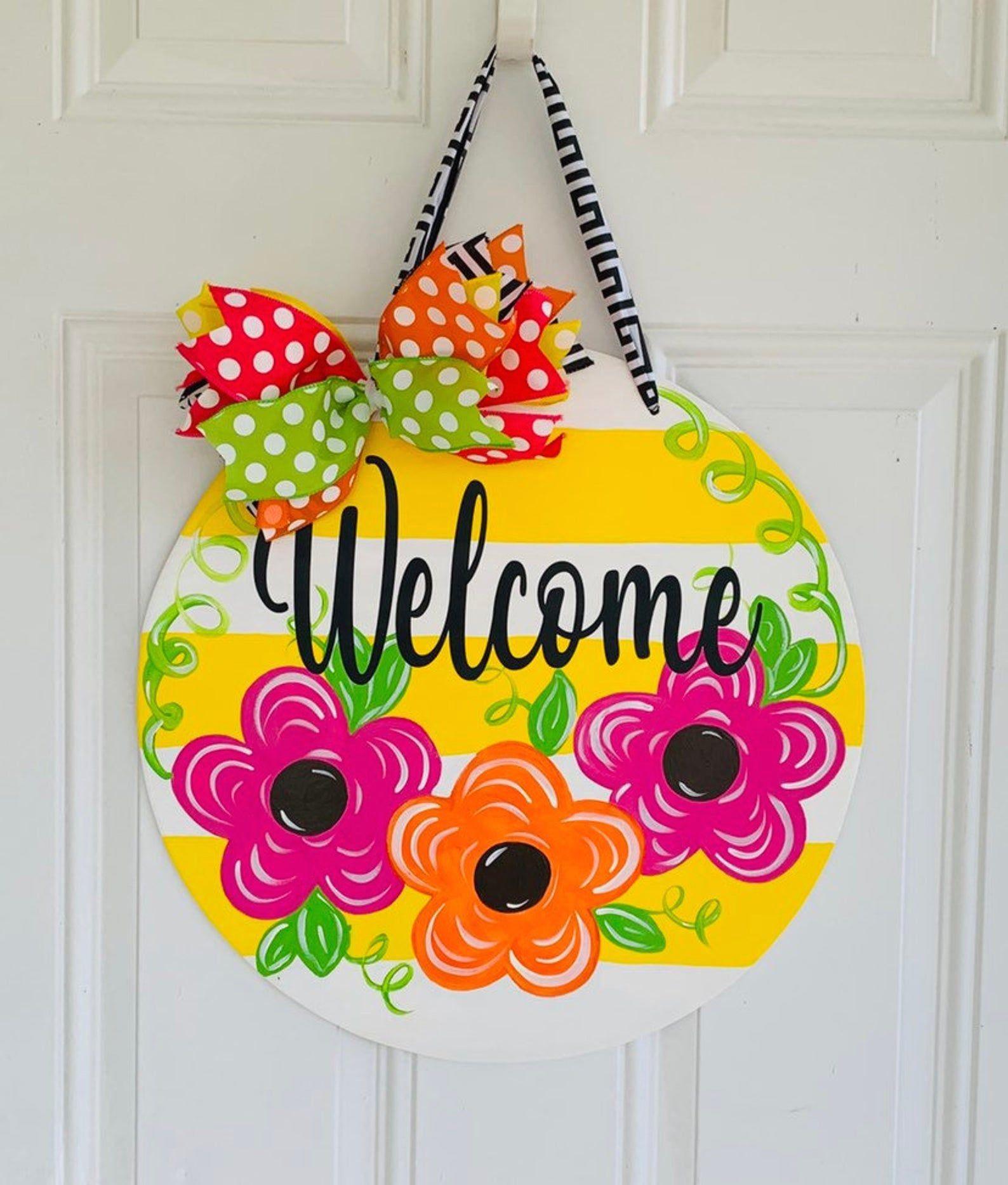 Welcome Front Door Sign Flower Front Door Decor Spring Door Hanger 1000 In 2020 Door Hangers Diy Door Decorations Summer Door Hanger