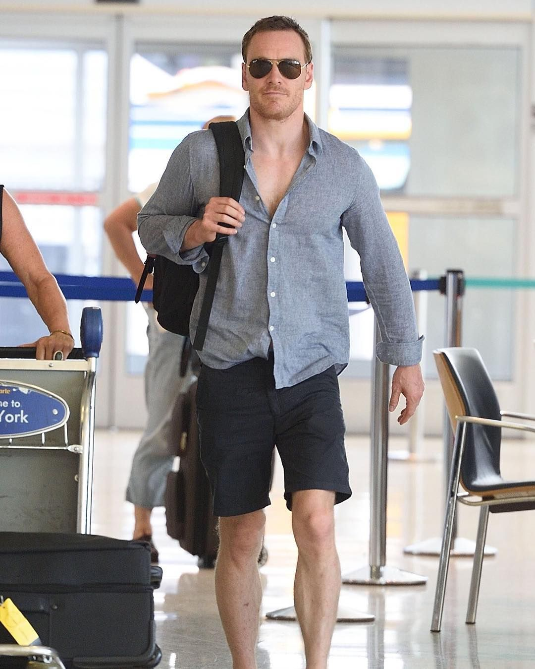 Michael Fassbender at the airport.Why do I love this shot so much? LOL