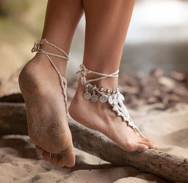 Silver-5 Tgirls Boho Vintage Shell Layered Leaf Tassel Anklet Sea Wave Sandal Barefoot Turquoise Pendant Foot Chain for Women and Girls