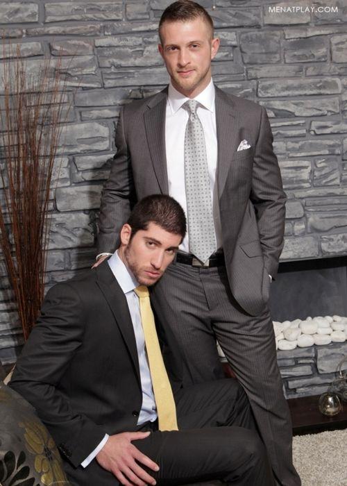 Leo Domenico Paul Wagner | MEN || Film | Mens suits, Suit ...