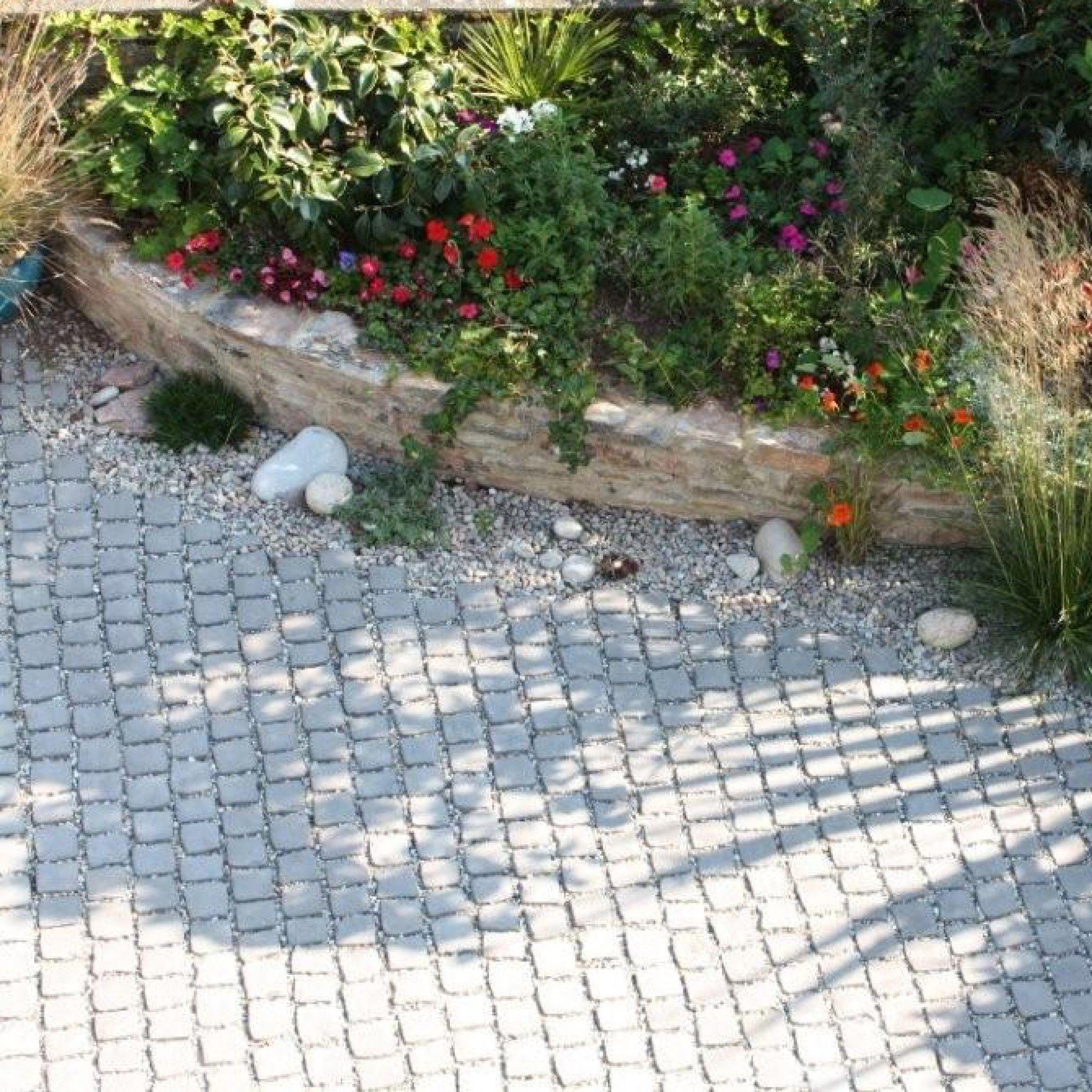 Bradstone Carpet Stones In Charcoal Gorgeous Gardens Garden Paths Front Garden