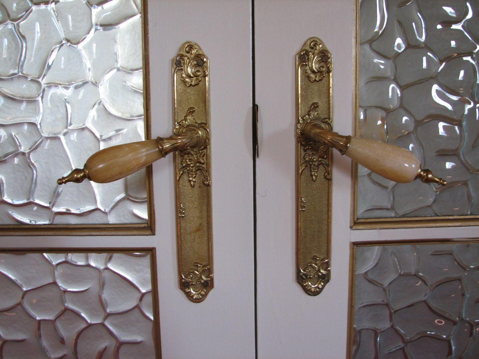 Funky Door Knobs Interior | http://retrocomputinggeek.com ...