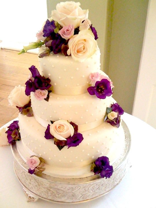 Wedding Cakes with Purple Flowers | | purple and white | Pinterest ...