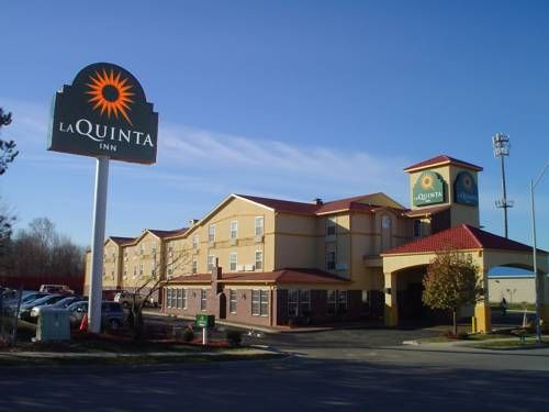 La Quinta Inn Suites Kansas City Airport Kansas City Missouri