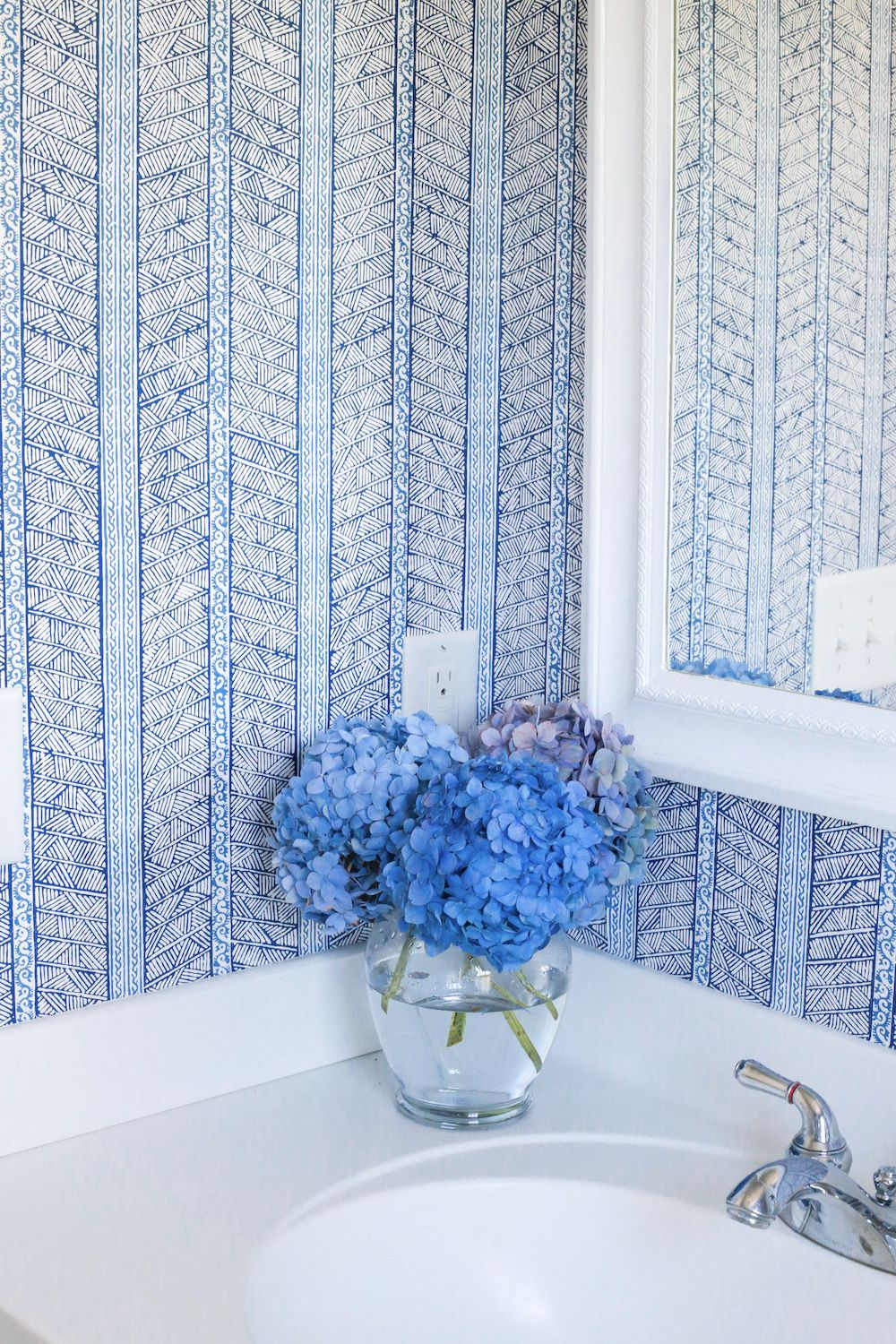 nantucket powder room reveal white wallpaper wallpaper and powder rh pinterest com