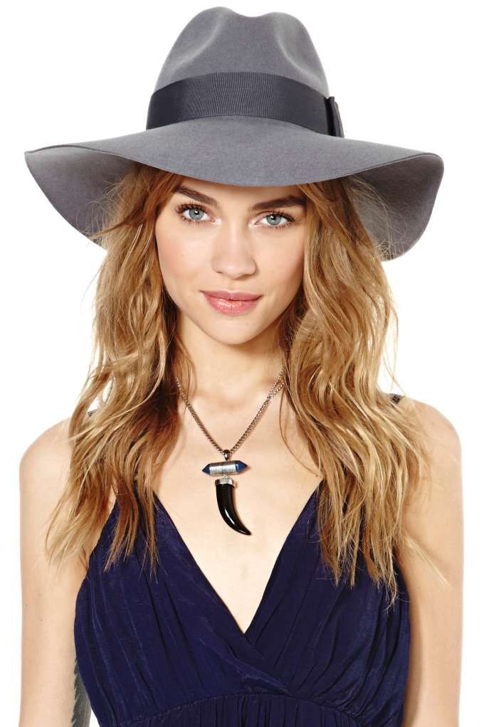 This Brixton classic is a total must-have! It\'s a wide brim floppy ...