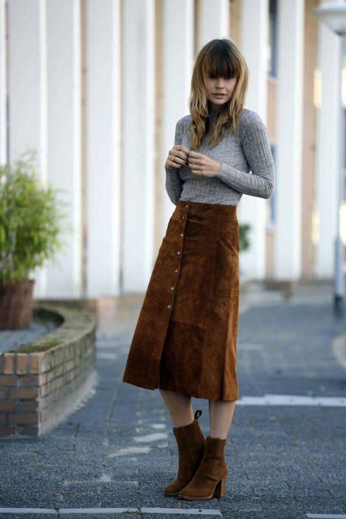 THE SUEDE MIDI SKIRT | Suede skirt, Street styles and Fashion