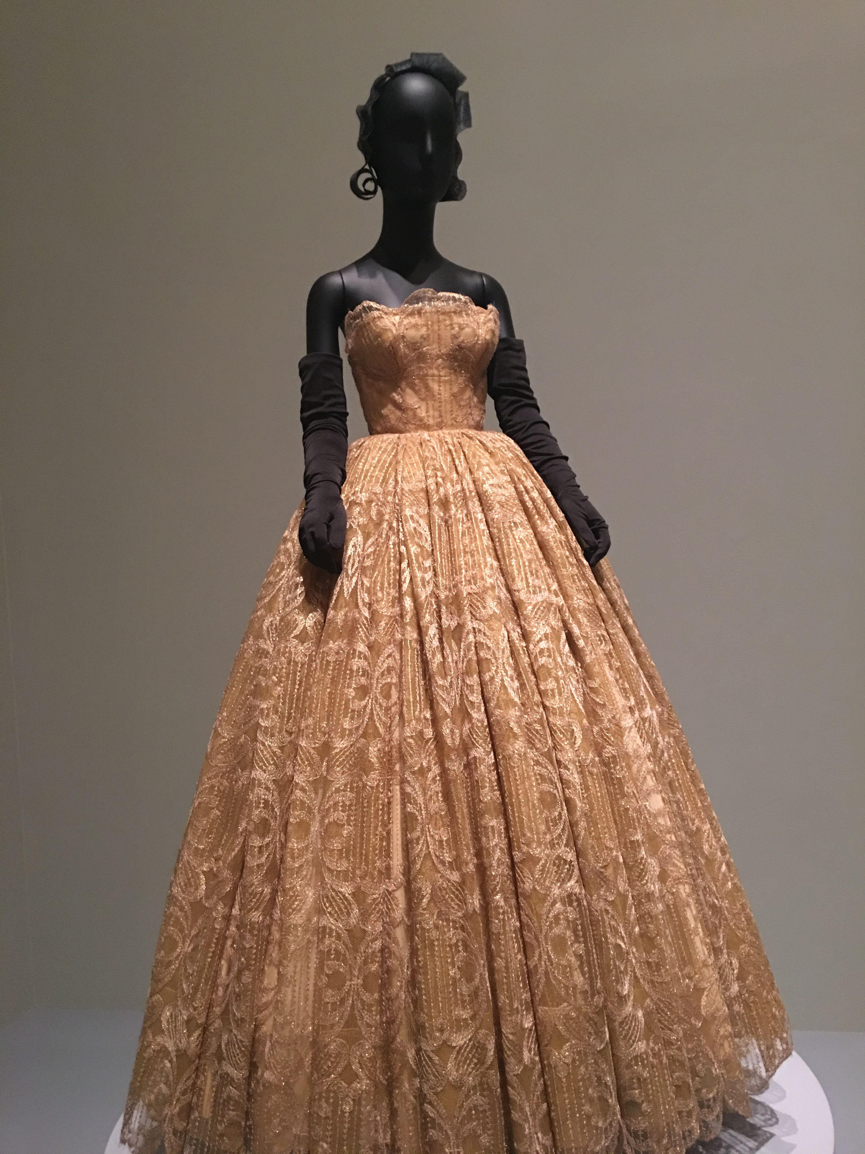 Pin By Joan Bulovas On Fun Stuff Ball Gowns Gowns Victorian Dress [ 4032 x 3024 Pixel ]