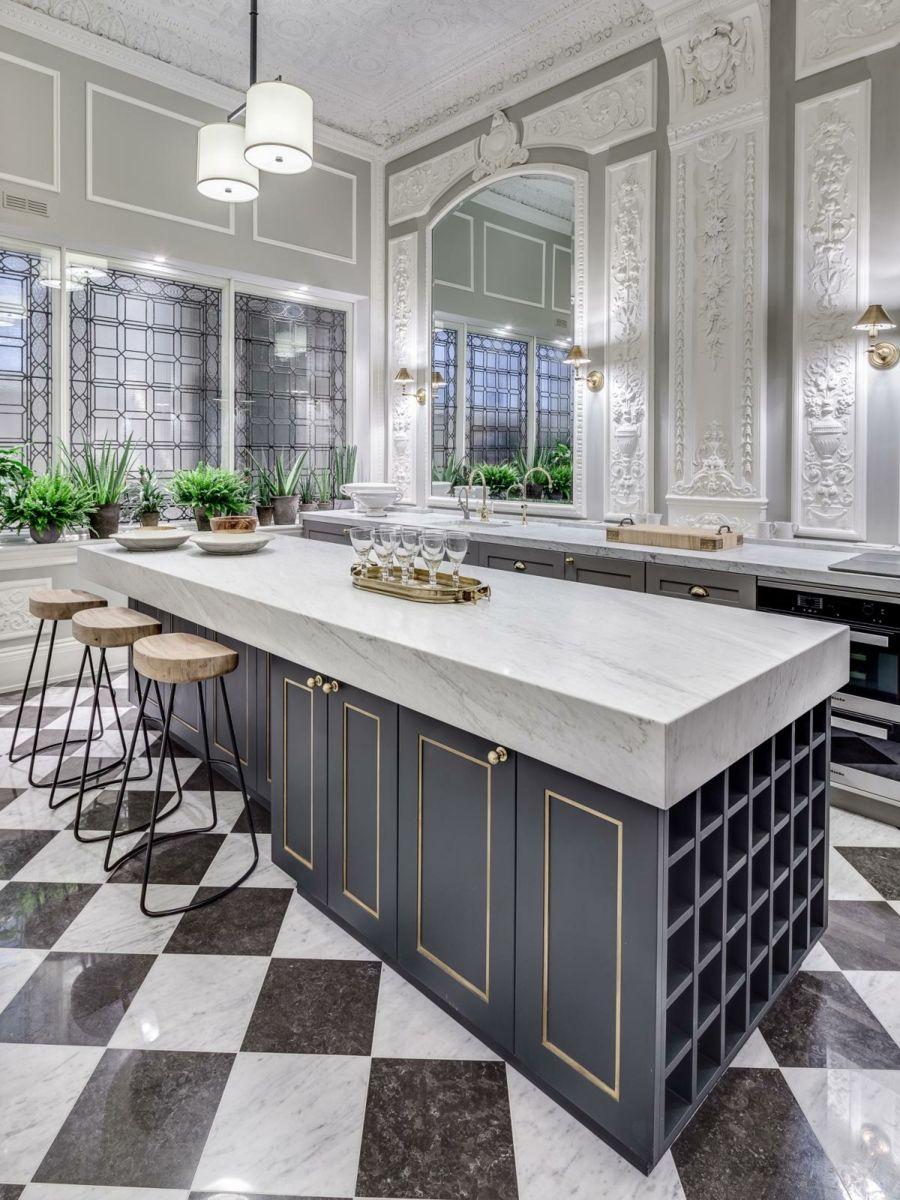 luxus kücheneinrichtung mit marmor schach matt bodenfliesen, Innedesign
