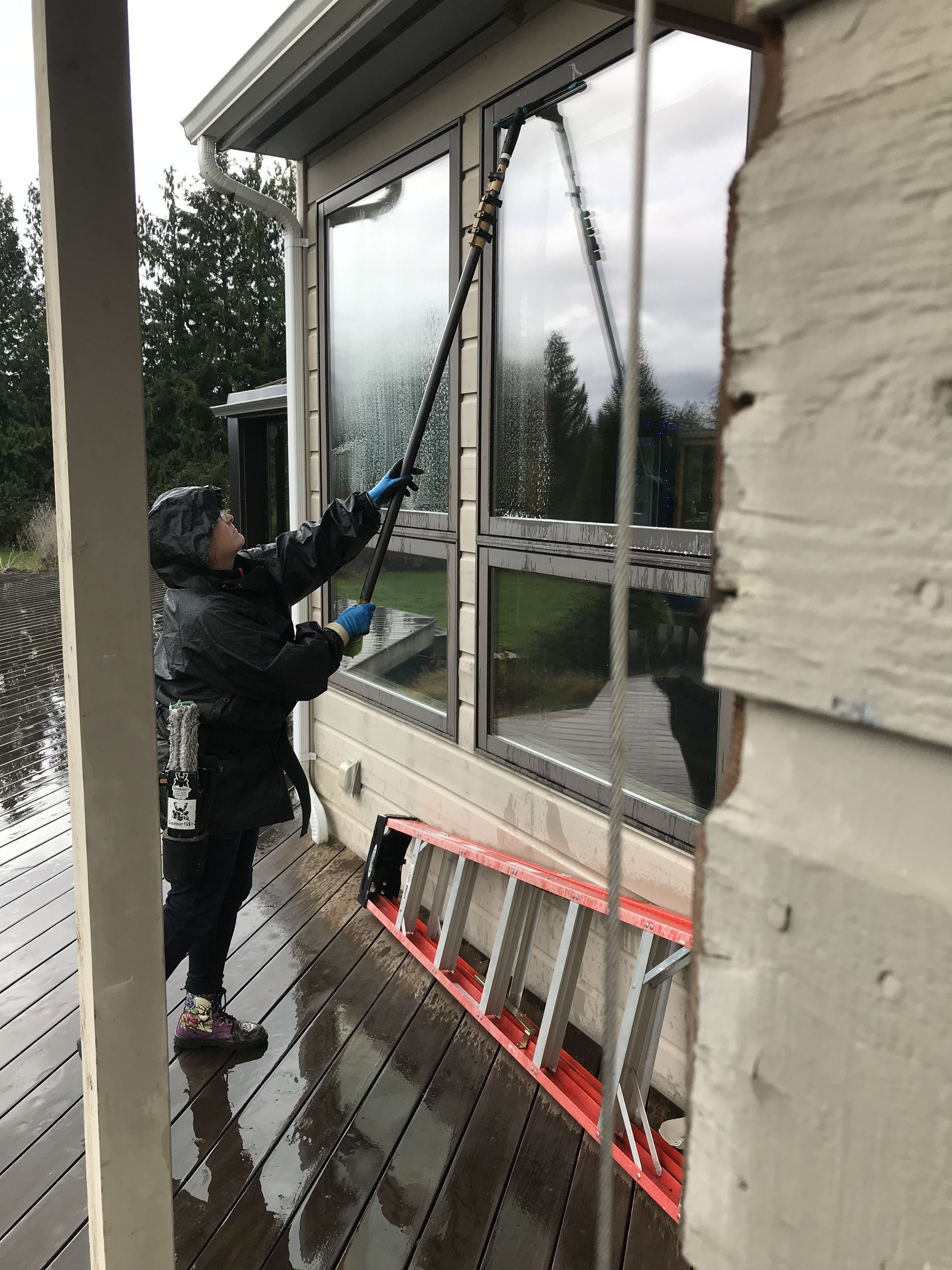 Pin By Bubble Truck Window Cleaning On Window Cleaning Window Cleaner Windows Cleaning