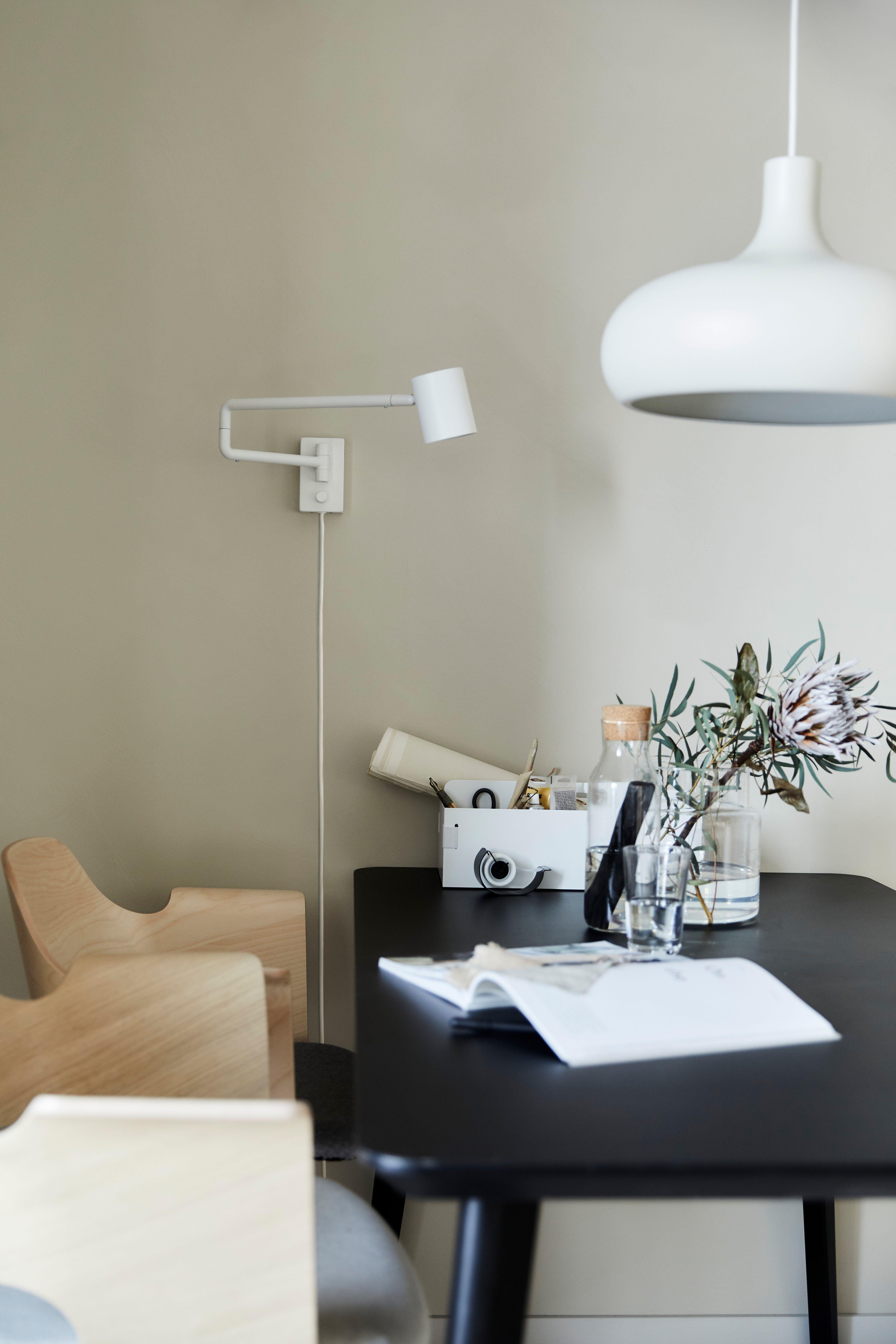 Ikea Deutschland Beleuchte Deinen Arbeitsplatz Mit Der Vaxjo Hangeleuchte Und Einer Wandleuchte So Hast Du Immer Das Passende Ikea Beleuchtung Wandleuchte