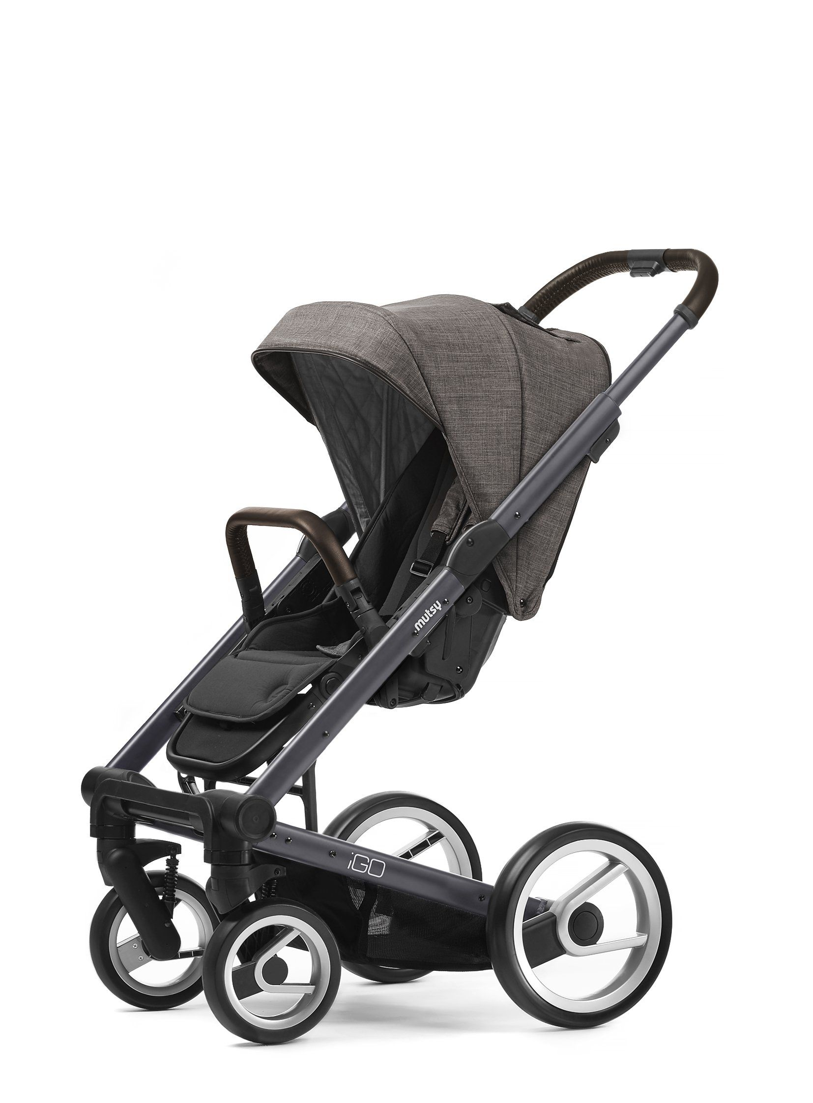 Mutsy Igo Pram pact Lightweight System Available in 11 colours including Urban Nomad Pure and Farmer Editions Easy click front or rear facing seat