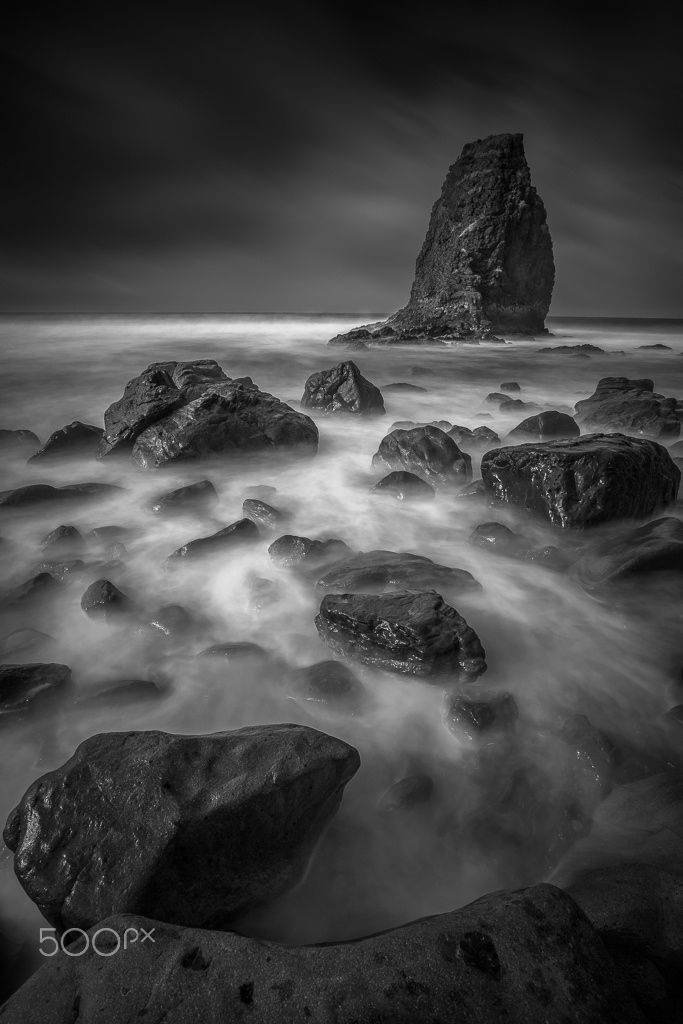 Fotografía en blanco y negro de larga exposición en la playa de ...