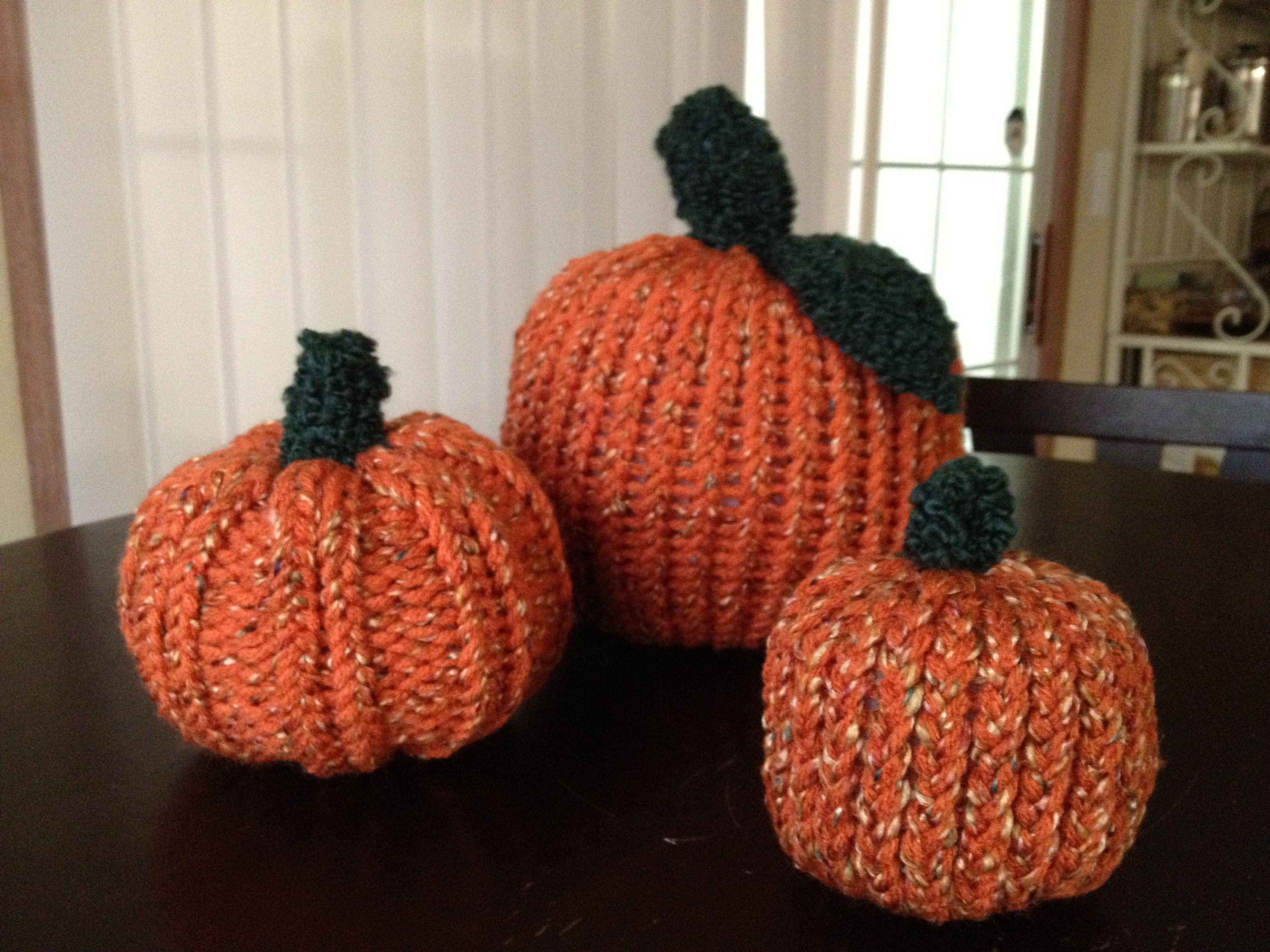 My loom knit pumpkins | Loom knitting projects, Loom ...