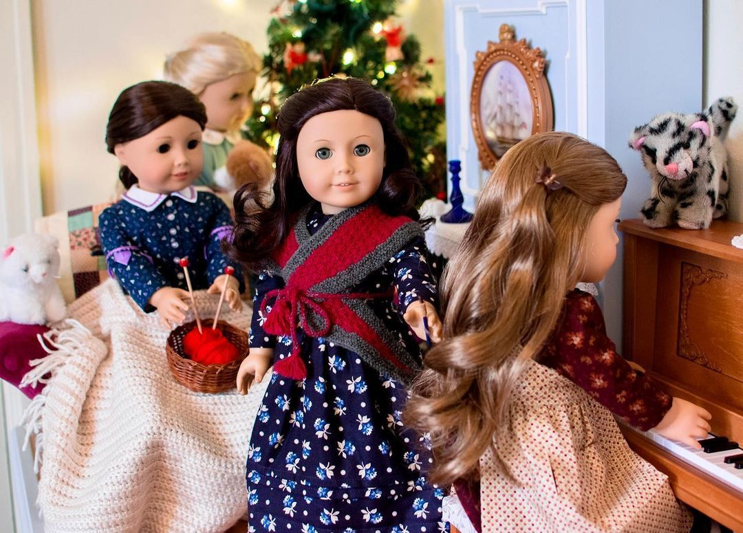 Katherine S Creations On Instagram The March Sisters Wish You Good Tidings Of Great Joy Agig Dollcollector Dollstagram Agigpho Meg March Women Katherine