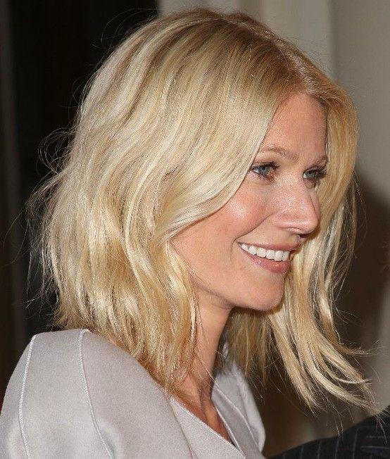 Gwyneth Paltrow's wavy locks are effortlessly cool. #hair #haircut