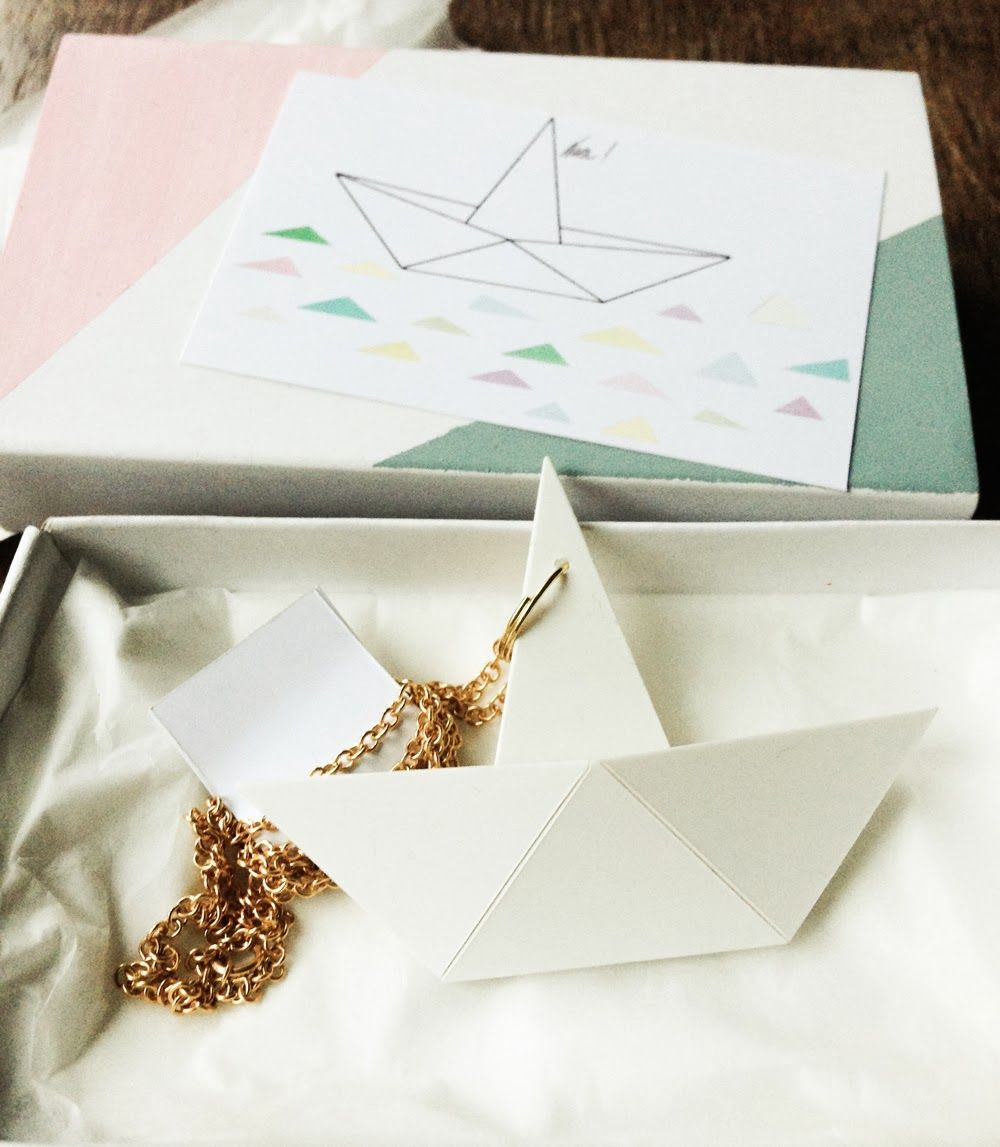origami ship necklace giveaway at konfettiregen