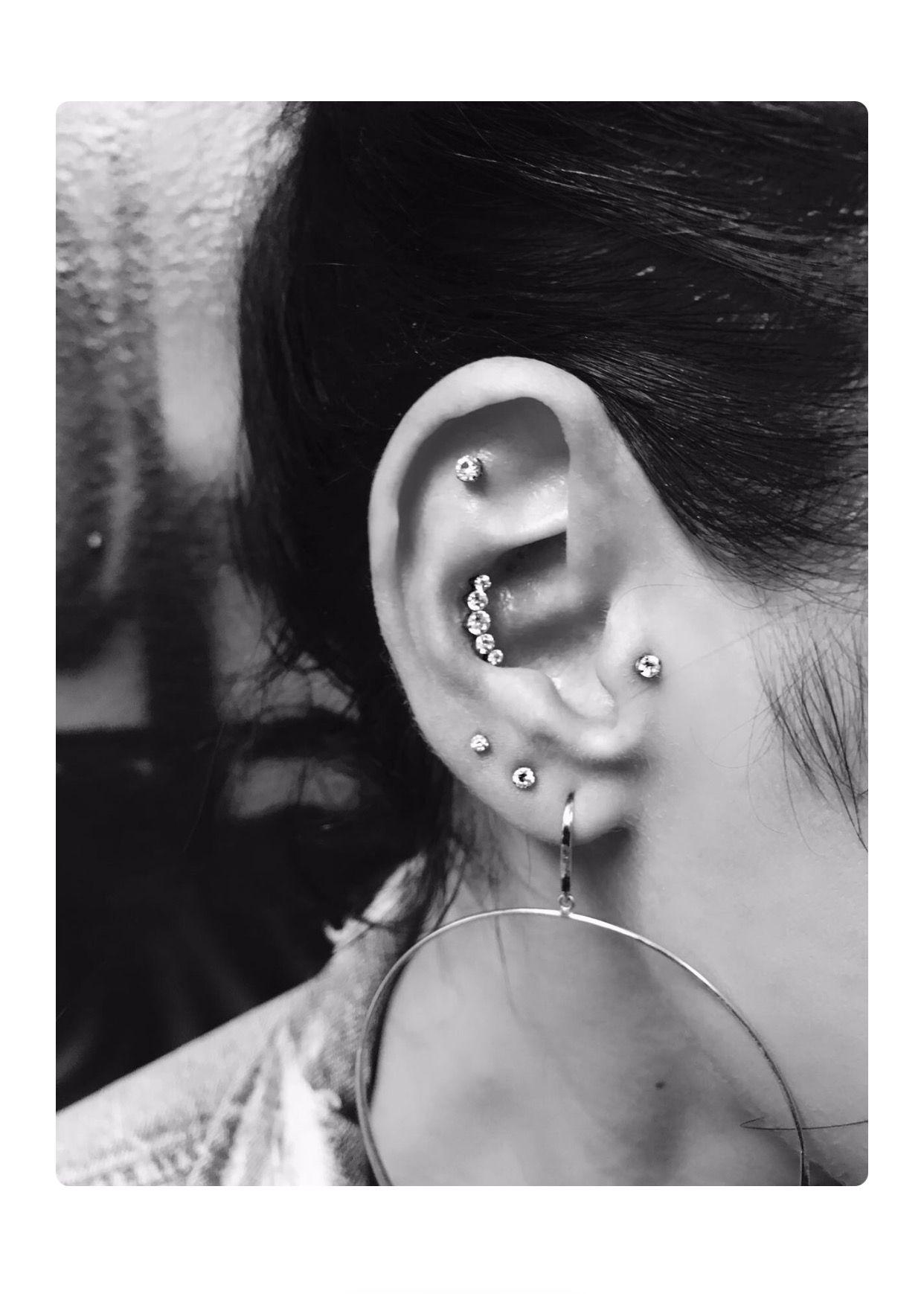 Jaclyn Hill Ear Piercings Cool Stuff In 2019 Piercings New Ear