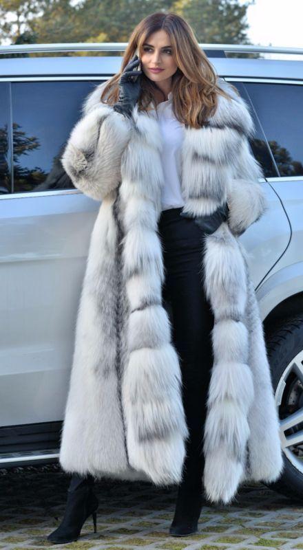 2018 Arctic Royal Fox Long Fur Coat, White Fox Fur Coat Outfit