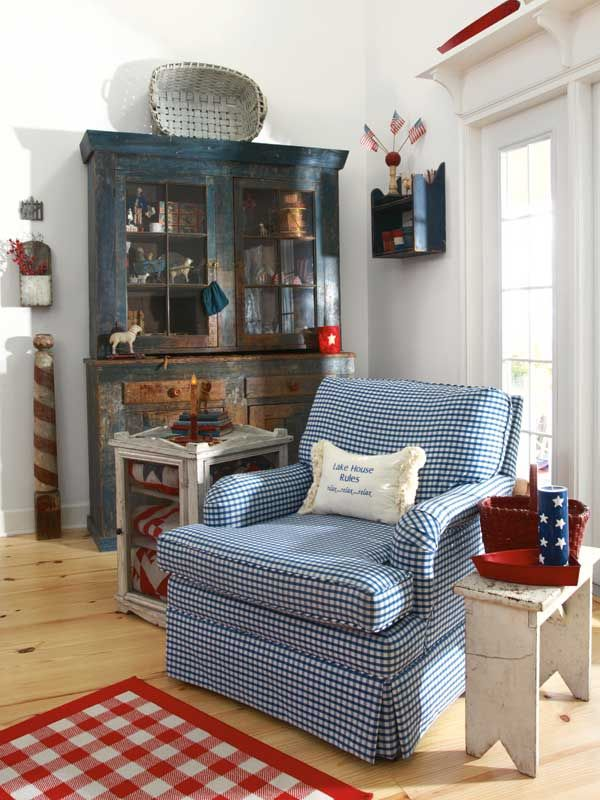 A little bit to country but  could be adapted to a nautical  decor by changing accent pieces and pillow!