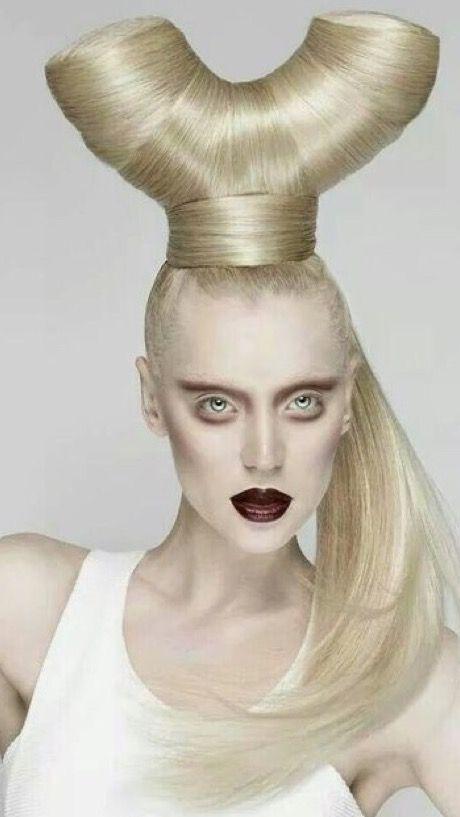 Epingle Par Nancy Bortz Sur S L I N G S H O T Coupe Coiffure Ecole De Maquillage Beaute Maquillage