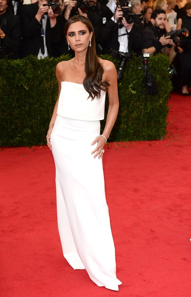 The Best All White Red Carpet Looks Of The Season Vogue Victoria Beckham Style Nice Dresses Fashion [ 1200 x 773 Pixel ]