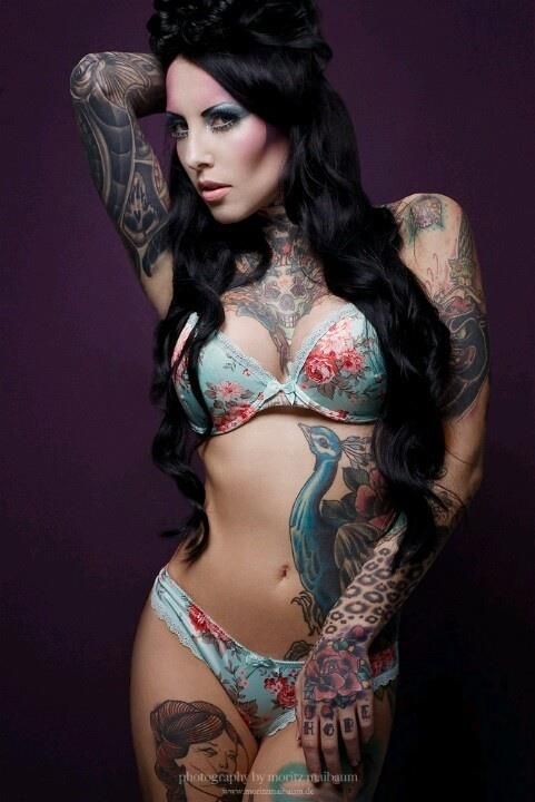 German tattoomodel Makani Terror #Ink #tatt #tattoos #sexyink #teamink #tattoomodel