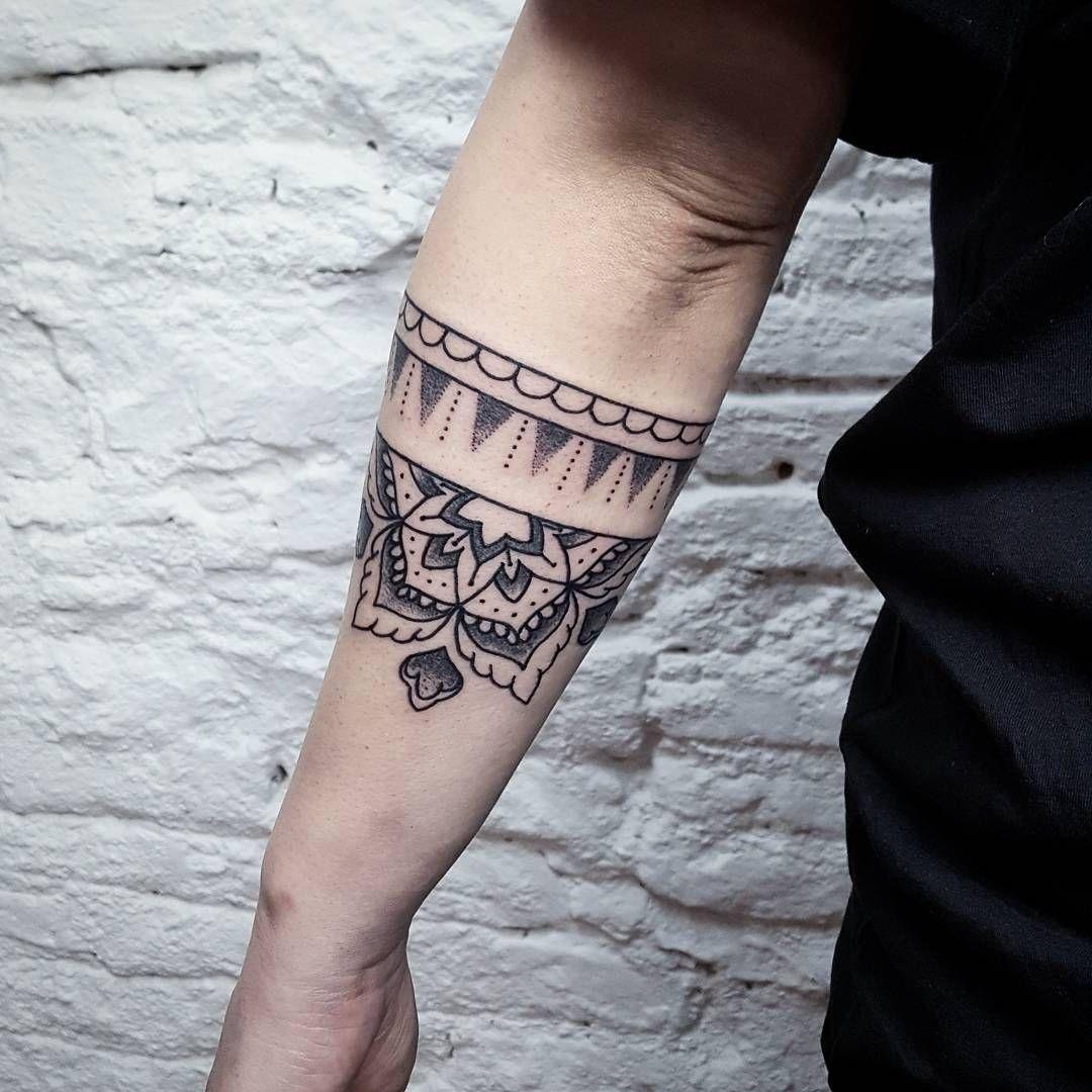 Pin By Æa Lor Iwka Gino On Forearm Band Tattoos In 2020 Forearm Band Tattoos Tattoos Band Tattoo