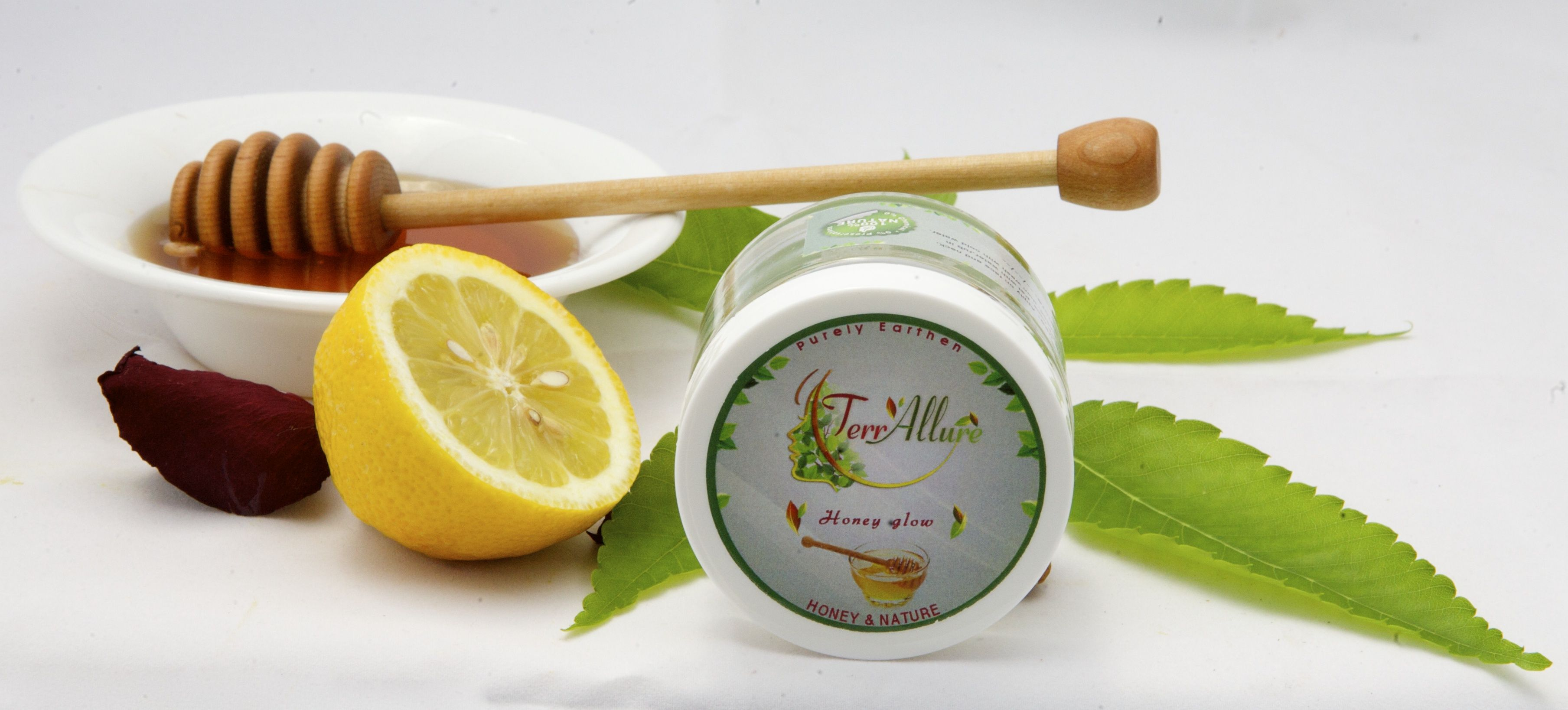 HONEY GLOW: Honey when mixed with lemon and turmeric in the honey glow pack, it gives an everlasting glow.