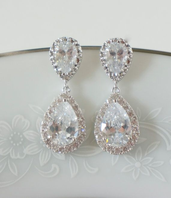 d8a477b26304 Pin by Momma Kerbear on Wedding Inspiration | Gold bridal earrings ...