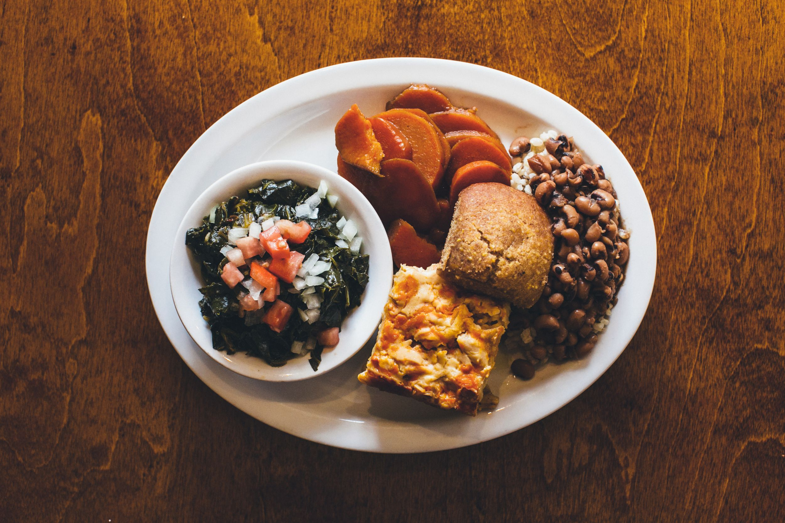 Detroit S First Vegan Soul Food Restaurant Fresh Mostly Organic And Completely Plant Based