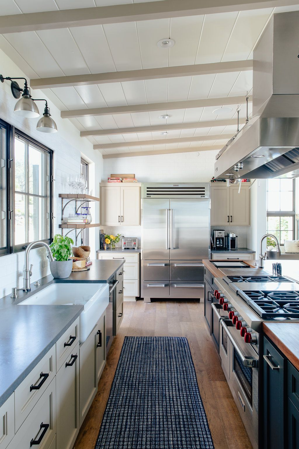 A Modern Spanish Colonial House For A Chef Rue Colonial Kitchen Spanish Colonial Kitchen Spanish Colonial Homes